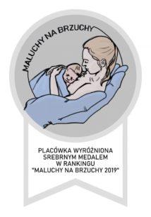 Logo maluchy na brzuchy okrągły obraz na szarym tle z matką trzymającą dziecko na piersi